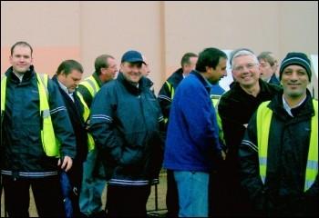 East London bus workers strike, photo Pete Mason