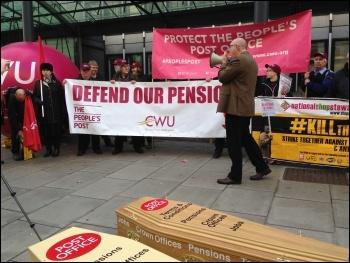 Post Office strike, London, 31.10.16, photo Paula Mitchell