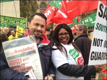 RMT Southern protest at Parliament 1.11.16, photo by Paula Mitchell