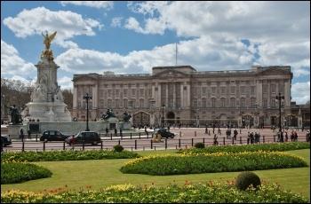 Buckingham Palace photo Diliff/Creative Commons