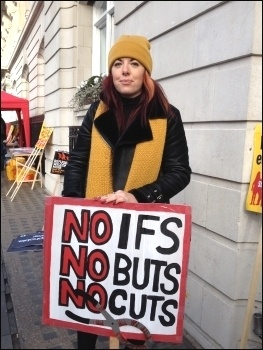Stop the cuts, photo JB
