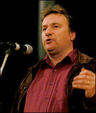 Rob Windsor speaking at Socialist Party congress 2006, photo Paul Mattsson