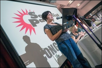 Beatriz Garcia from Izquierda Revolucinaria introduced the discussion on Spain, photo Paul Mattsson