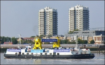 Woolwich ferry photo BL2002/CC