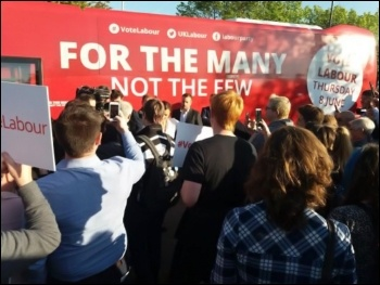 Jeremy Corbyn's battle bus arrives in Morley for the surprise rally, 9.5.17, photo by Iain Dalton