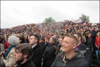 Huge crowd in Gateshead to hear Jeremy Corbyn speak on 5 June photo Elaine Brunskill