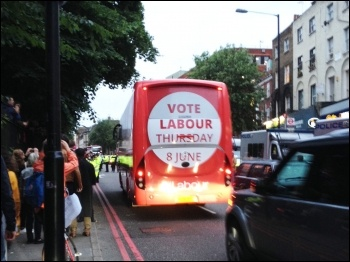 Corbyn's bus arrives in Islington, 7.6.17, photo by Judy Beishon