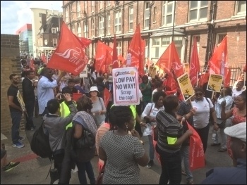 London hospital, Barts trust strike July 2017. photo Paula Mitchell