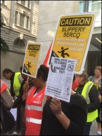Barts trust strikers, July 2017, photo by Paula Mitchell