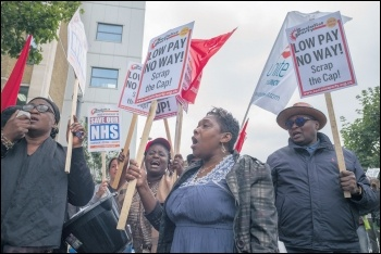 Barts NHS workers on strike, 15.7.17, photo by Paul Mattsson