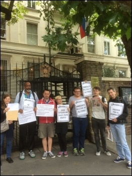 Outside the Russian Embassy near Hyde Park, London, photo SP