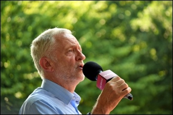 Jeremy Corbyn addressing a rally in Chignford, east London, 6.7.17, photo Mary Finch