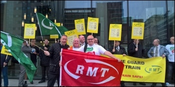 Merseyrail picket line, photo RMT