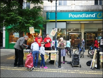 McStrike solidarity stall in Woolwich September 2017, photo Tracy Edwards