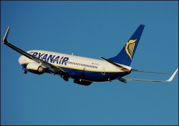 Ryanair, photo Adrian Pingstone/CC