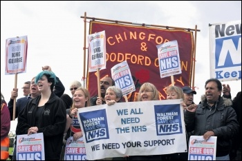 Demonstrating against the proposed closure of King George A&E in east London, 14.10.17, photo by Mary Finch