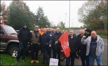 Runcorn picket line, Arriva North West, 19.10.17, photo by S. Armstrong