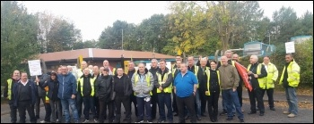 Wythenshawe depot picket line, Arriva North West, 19.10.17, photo by Becci Heagney