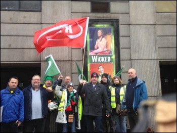 RMT picket at Victoria station, 9.11.17, with Steve Hedley, RMT senior assistant general secretary 4th from right; and NSSN chair Rob Williams 1st on left.