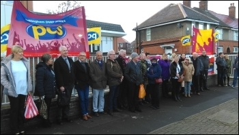 Eastern Ave job centre, Sheffield, strike ends, photo by A Tice
