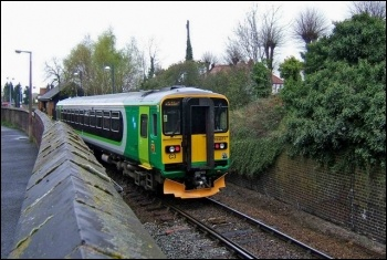 London Midland train, photo PL Chadwick/CC