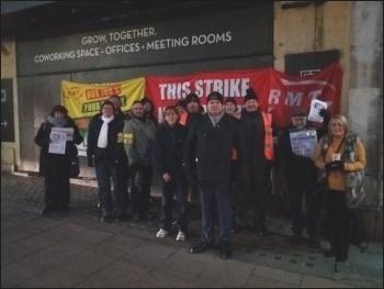 RMT strike 8 Jan 2018 Leeds, photo by Iain Dalton