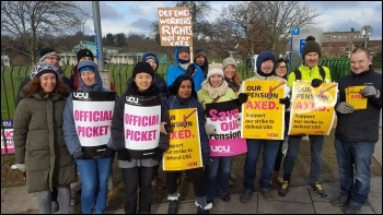 UCU strikers at the University of Nottingham, 27 February 2018, photo by Gary Freeman