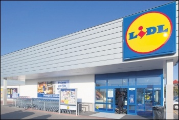 Lidl workers in Belgium have beaten management's attempt to force longer hours, photo by Aljona83/CC