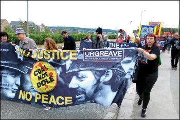 Orgreave marchers, 16.6.18, photo by Alistair Tice