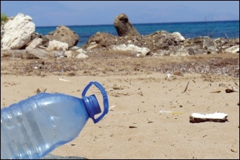 Low oil prices can make it cheaper for capitalists to make new plastic than to recycle, photo (public domain)