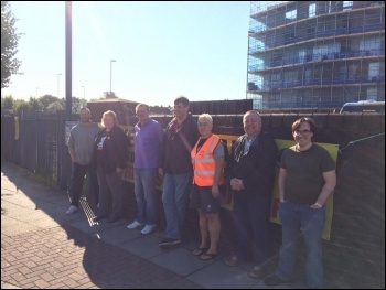 Portsmouth picket line, photo Nick Chaffey