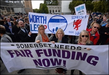 Head teachers protest at parliament 28 September 2018