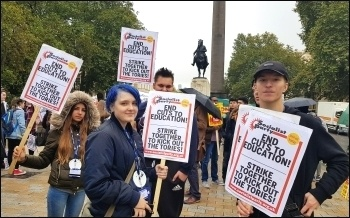 Students demanding an end to Tory cuts and austerity in education. London, 17.10.18, photo by Isai Priya