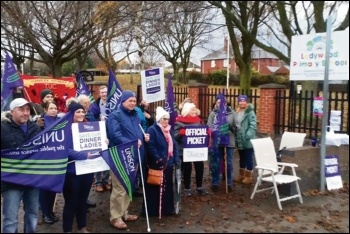 Ladywood school workers on all-out strike, 19.11.18, photo by Alistair Tice