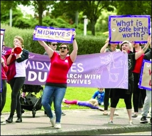 "New Zealand midwives strike, photo ""Dear David, Aotearoa needs Midwives"" Facebook"