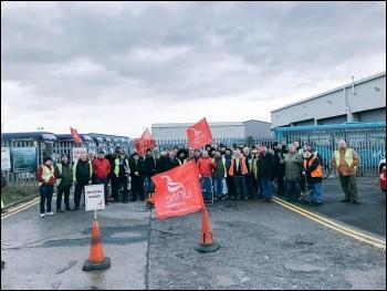 Arriva bus strike picket line in Darlington, photo Unite