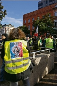 Gilets jaunes in Toulouse, January 2019, photo by Terry Adams