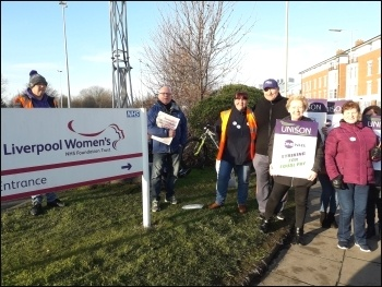 Liverpool Women's Hospital, strike by OCS workers, 25.2.19, photo by Hugh Caffrey
