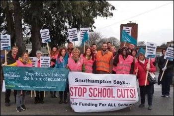A picket line at Valentine School, 14.3.19, photo Southampton Socialist Party
