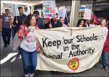 Enfield teachers on strike, 24.3.19, photo John Dolan