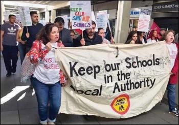 Enfield teachers on strike, 24.3.19, photo John Dolan