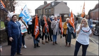 Protest by Barnsley NHS workers, photo Alistair Tice