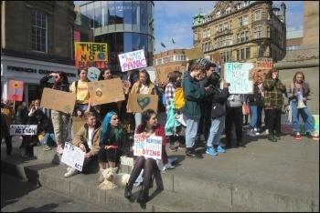 Newcastle climate demo, 12.4.19, photo by Elaine Brunskill