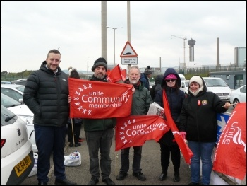 Unite Community and Socialist Party members support the strike. Photo by Robert Charlesworth