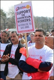 2000 people marched through Swindon in protest at Honda's plan to close its plant in the town, March 2019, photo S. German