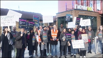 Newham sixth form college picket line, 17th October 2019, photo by Scott Jones