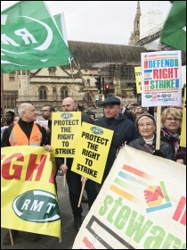 For the right to strike! RMT & NSSN lobby parliament. 19.12.19, photo JB