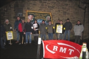 Tyne & Wear metro strikers, 20.12.19, photo by Elaine Brunskill
