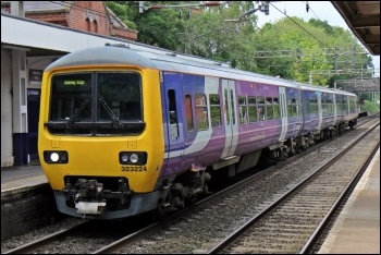 Northern Rail train, photo El Pollock/CC