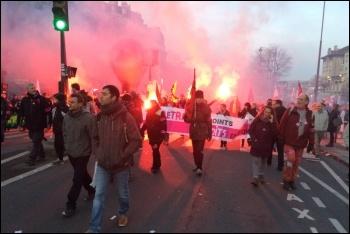 France pensions strike, national demonstration in Paris, 16.1.2020, photos James Ivens